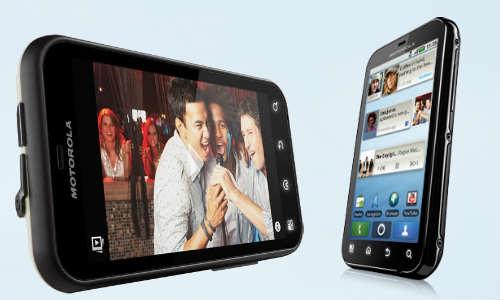 मोटोरोला ने भारत में लांच किया डेफी प्लस एंड्राएड स्मार्टफोन