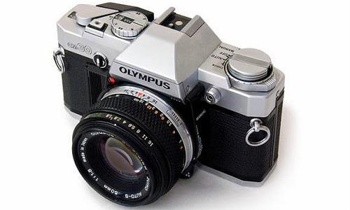 ओलम्पस का रेट्रोलुक OM-D कैमरा