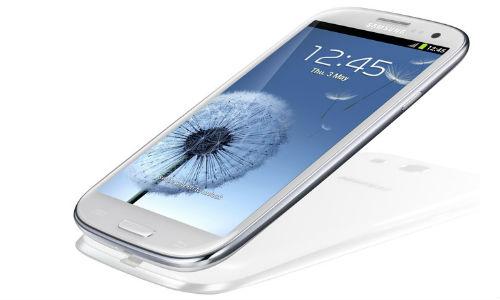 क्या गैलेक्सी एस 3 से बेहतर है एचटीसी वन एक्स स्मार्टफोन