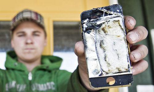 देखें कैसे जेब में रखें आईफोन में लग गई आग