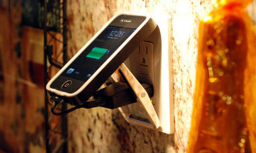 बिना बिजली के कैसे चार्ज करें अपना मोबाइल फोन