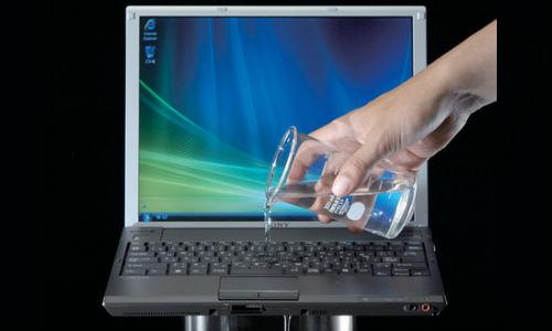 पानी से कैसे बचाएं अपना लैपटॉप?