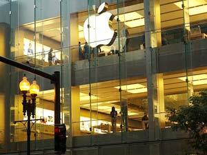 एप्पल ने बनाया 40 लाख आईफोन 4एस बेचने का रिकार्ड