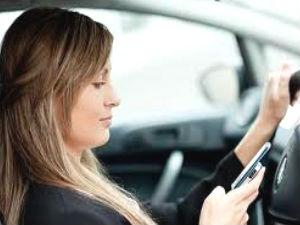 अब आप नहीं आपका मोबाइल चलाएगा आपकी कार