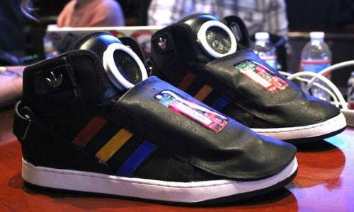 गूगल ले कर आया बोलने वाला जूता
