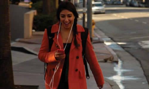 बैकपैक लेकर चलिए, चार्ज होगा मोबाइल फोन