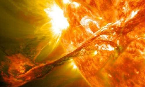 नासा के वीडियो में दिखा पहला विशाल सूर्य विस्फोट