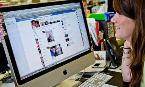 ऑफिस के लिए अलग से फेसबुक बना रही है कंपनी