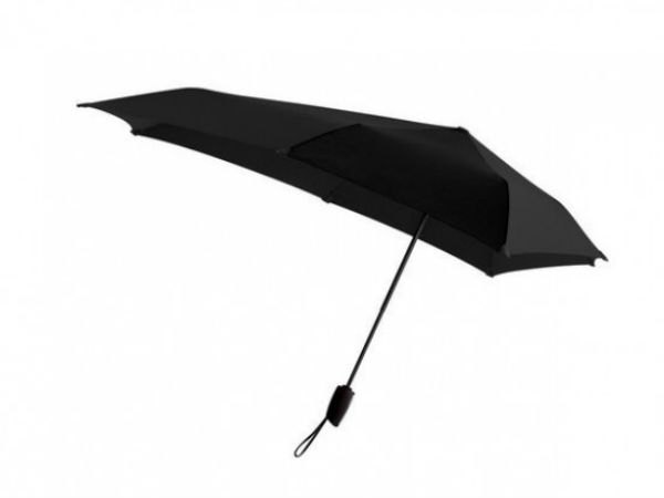 An umbrella that can withstand winds up to 100 kilometers per hour