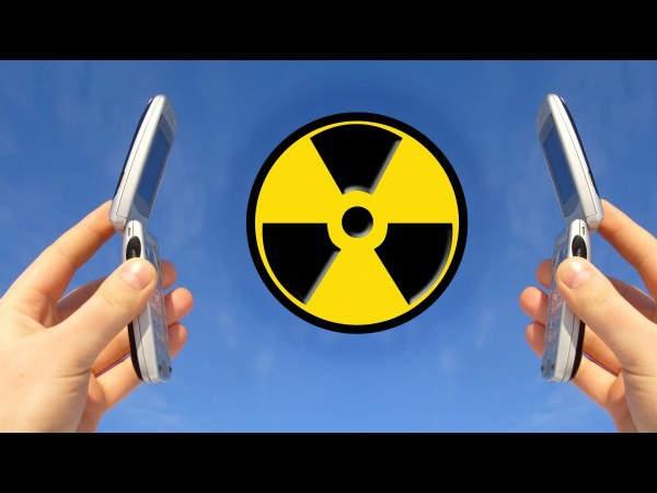 'मोबाइल रेडिएशन से कैंसर होने का कोई प्रमाण नहीं'