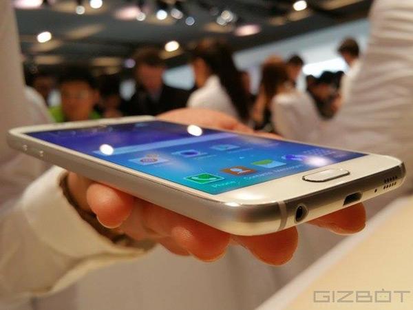 सैमसंग ने लांच किया गैलेक्सी एस 6 और एस 6 ऐज स्मार्टफोन