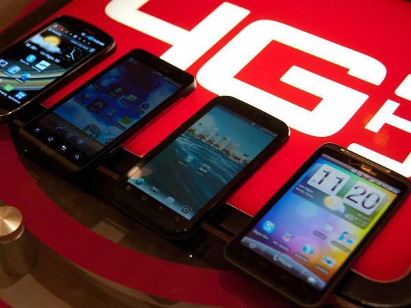 4000 रुपये में देगा रिलायंस 4 जी स्मार्टफोन
