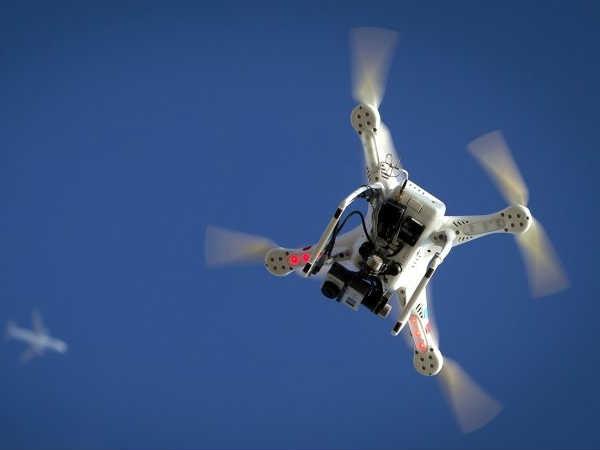 माइक्रोसॉफ्ट बना रहा है मच्छर पकड़ने वाले ड्रोन