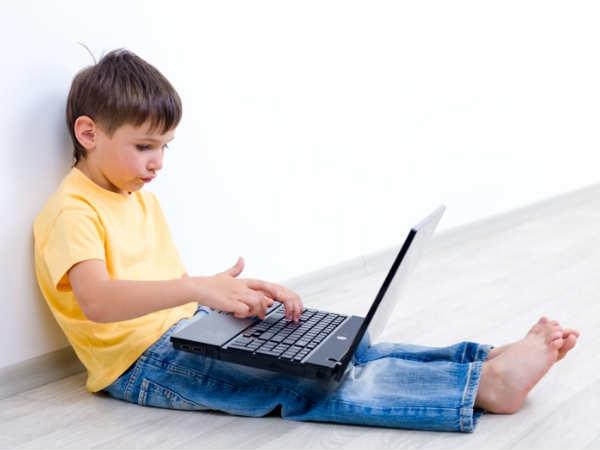 बच्चों को अपंग बना रहा स्क्रीन एडिक्शन
