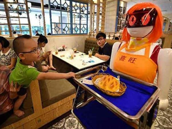 दुनिया का सबसे बड़ा रोबोट बाजार बना रहा चीन