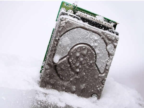 सर्दियों में क्यों और कैसे करें अपने गैजेट्स का बचाव..!