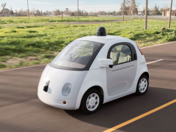 गूगल की बिना ड्राईवर वाली कार ने बस को मारी टक्कर!