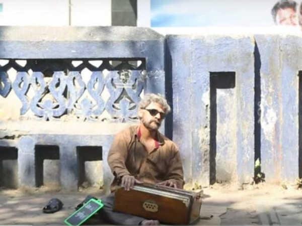 सड़कों पर गाना गा कर सोनू ने मांगी भीख, वायरल हुआ वीडियो!