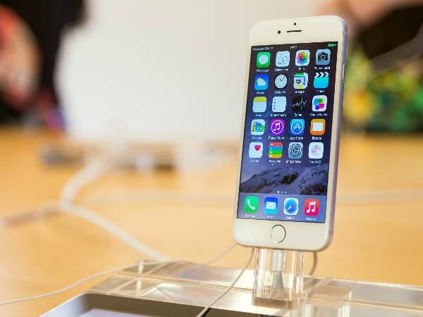 फ्लिप्कार्ट डिलीवरी बॉय ने चोरी किए 12 आईफोन!