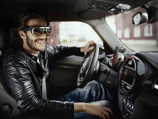 बीएमडब्ल्यू ला रहा है आईवियर और ऑटोमोबाइल का संगम