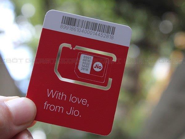 जियो सिम के लिए 50 दिनों का इंतजार, वरना 1,000 रु दो मेरे यार