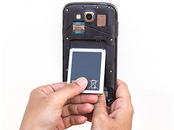 फोन की स्क्रीन न चलने पर करें ये 5 काम