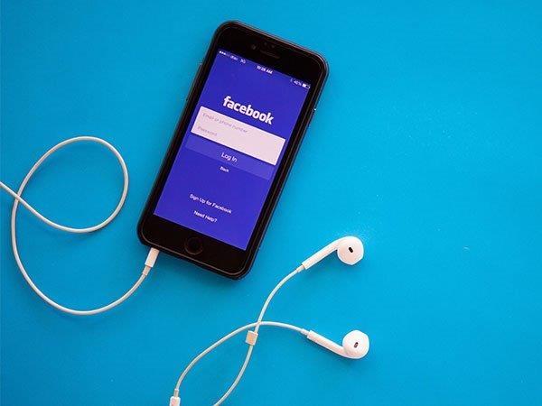 फेसबुक ला रहा है ग्रुप वॉयस कॉल, कर देगा स्काइप की छुट्टी