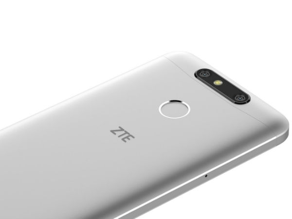 ज़ेडटीई ब्लेड वी8 मिनी और ब्लेड वी8 लाइट मिड रेंज स्मार्टफोन लॉन्च
