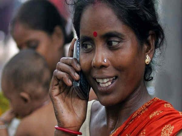 ग्रामीण इलाकों में बढ़ रही है टेलीफोन ग्राहकों की संख्या
