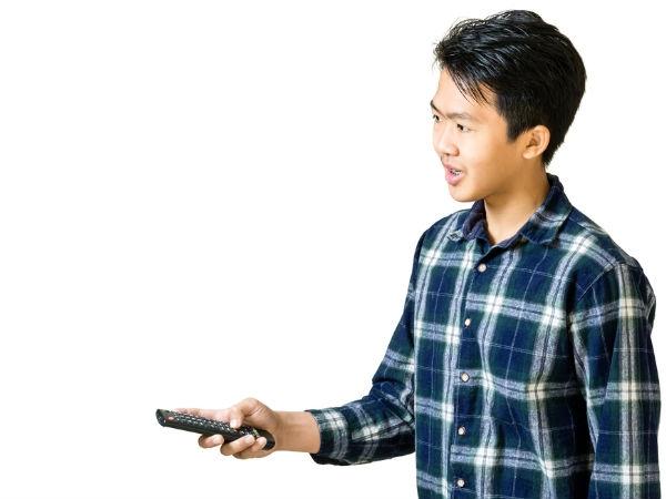 स्मार्टफोन को कैसे बनाएं टीवी रिमोट ?
