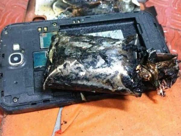 Samsung Galaxy स्मार्टफोन में फिर हुआ धमाका, महिला गंभीर रूप से घायल