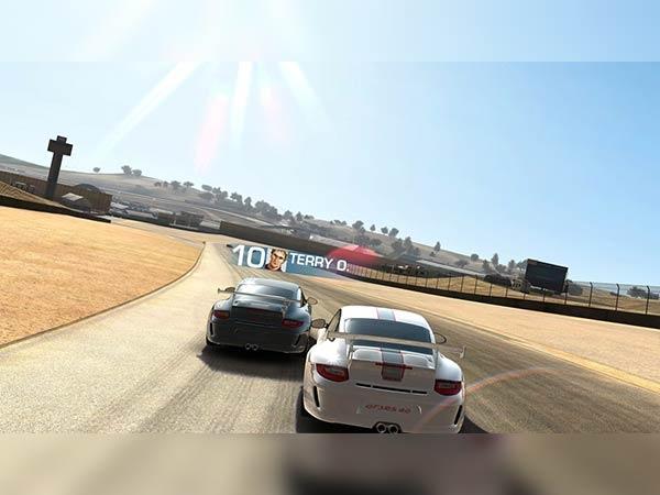 रियल रेसिंग 3