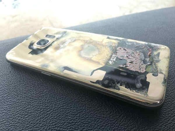 सैमसंग के इस स्मार्टफोन में फ्लाइट के अंदर लगी आग