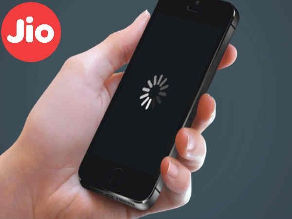 Jio यूजर्स को दोहरा झटका, कंपनी ने 4जी इंटरनेट स्पीड की स्लो