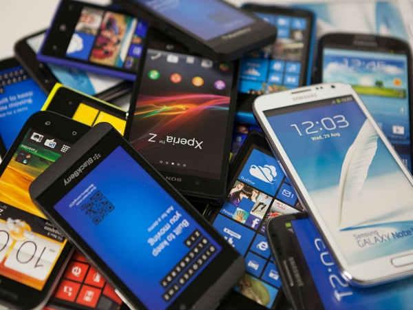क्या आपको पता है इस साल कितने मोबाइल बिके ?