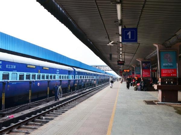 ट्रेन लेट होने पर रेलवे ने शुरू की नई योजना, 1 महीने में भेजे 33 एसएमएस