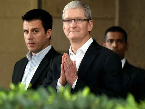 एपल ने खोला राज क्यों पड़ रहे हैं सफेद निशान