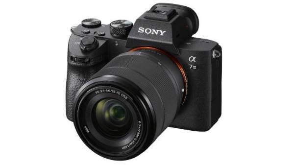 सोनी ने भारत में लांच किए पॉवरफुल मिररलेस कैमरा