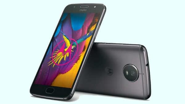 5000 रुपए सस्ता हुआ मोटो का 16MP कैमरे वाला स्मार्टफोन
