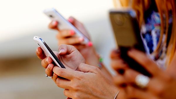 भूल जाते हैं बर्थडे-एनिवर्सिरी तो स्मार्टफोन में ऐसे शेड्यूल करें मैसेज