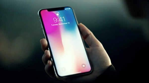 iPhone X 2018 की पहली झलक आई सामने, 6.1 OLED स्क्रीन से होगा लैस
