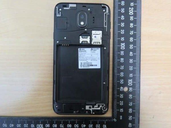Samsung Galaxy J4 की रियल लाइफ इमेज लीक, ये होंगे फीचर्स