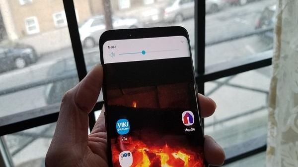 लॉक एंड्रॉयड स्मार्टफोन में म्यूजिक वॉल्यूम को कंट्रोल करने का तरीका