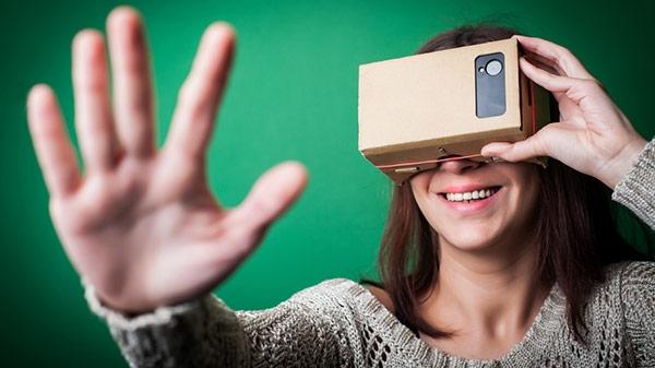कैसे चुनें एक सही वर्चुअल रियलिटी (VR) हेडसेट ?