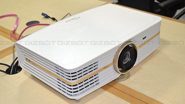 Optoma UHD65 DLP प्रोजेक्टर की जानें खासियत