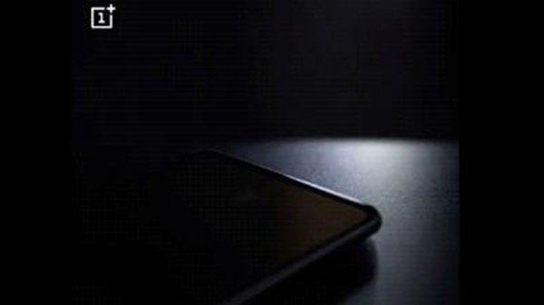 OnePlus 6T के लॉन्च होने से पहले इसकी प्री-बुकिंग हुई शुरू