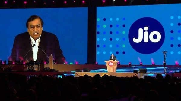 Jio के मालिक मुकेश अंबानी देश का इंटरनेट टायकून बनना चाहते हैं