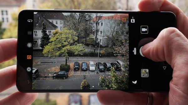 100 MP कैमरे वाला स्मार्टफोन होगा लॉन्च
