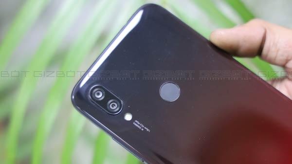 Xiaomi ने 'The Ultimate All-rounder' की टैगलाइन के साथ पेश किया Redmi 7