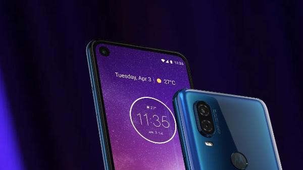 Motorola One Vision की बिक्री से आज से हुई शुरू, पंच होल कटआउट डिस्प्ले वाला फोन